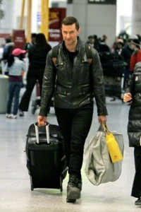 "Richard Armitage arrives in Toronto to begin filming ""Hannibal"" as the Tooth Fairy killer"